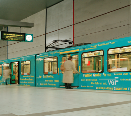 Verkehrsmittelwerbung VGF 2003